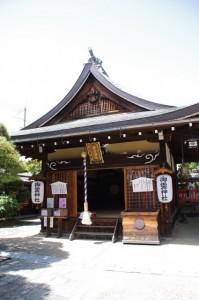 拝殿(御霊神社)