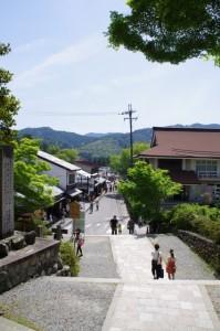 金峯山寺から山上方向へ