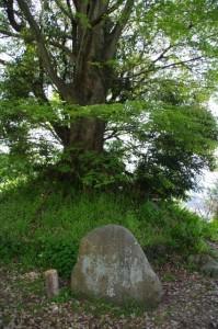 横川覚範の首塚