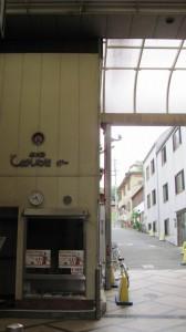 東向商店街から興福寺へ