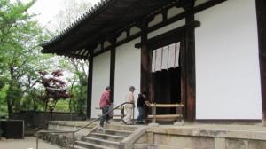 本堂への入口(新薬師寺)