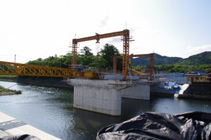 新設工事中の(新)五十鈴橋