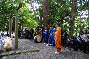 御田植初式 田舞(大土御祖神社)