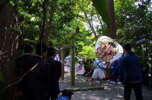 御田植初式 団扇破り(大土御祖神社)