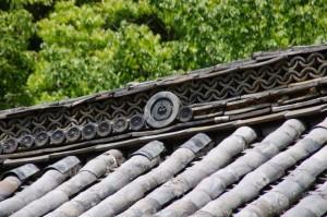 藤紋(金剛座寺、本堂)
