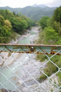 赤池橋から望む櫛田川の上流方向
