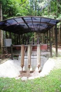 水銀製錬装置(丹生水銀鉱跡付近)