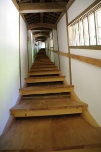 大師堂への回廊(丹生大師 神宮寺)