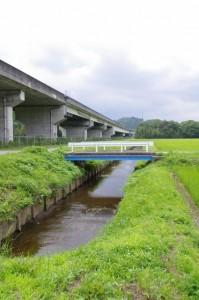 旧道(伊勢自動車道下)