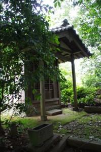 稲荷神社(JP宮本郵便局近く)