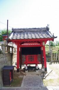 お稲荷さん(世義寺)