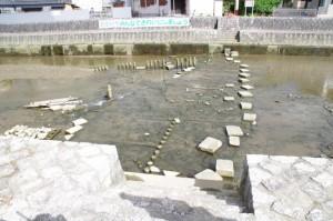 姫之橋付近の飛び石(勢田川)