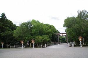 神橋と第二鳥居(橿原神宮)