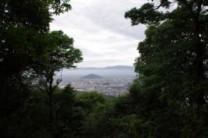 畝傍山山頂から望む耳成山