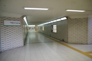 近鉄 畝傍御陵前駅、東西連絡通路