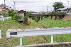 新河原橋と隣の橋(飛鳥川)