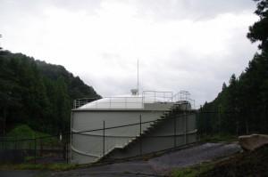 車田付近の南勢水道長谷調整池(多気町長谷)
