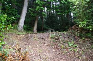 石の祠(長谷の車田から近長谷寺への林道)