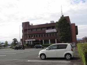 玉城町役場の駐車場