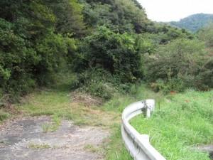 鴨神社への山(参)道の登り口