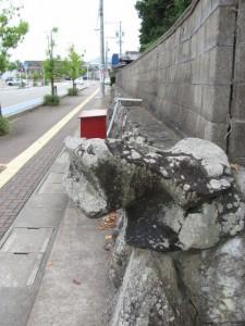石垣(三縁寺)