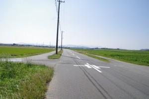 神麻続機殿神社から近鉄漕代駅方向へ