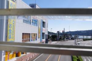 鳥羽駅から海側へ続く陸橋からの風景