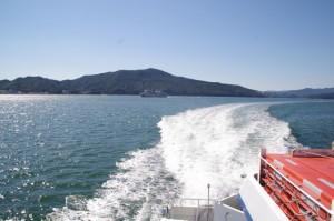 佐田浜→神島の途中、和具港へ(鳥羽市営定期船)