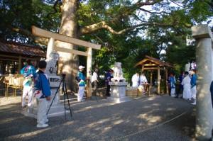 お白石持ち「町内曳」(箕曲神社)