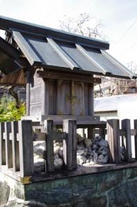 神久公民館付近の社(伊勢市神久)