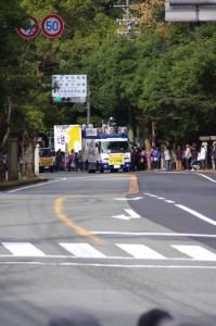 テレビ中継車1(皇學館大学校門付近)