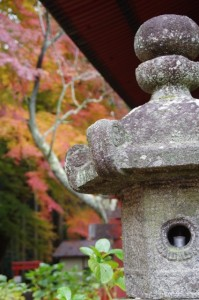 (13)東殿『恋神社』の前から(談山神社)
