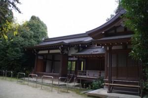 神楽殿、西良殿(飛鳥坐神社)