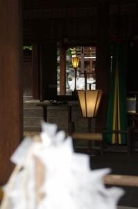 拝殿、本殿(飛鳥坐神社)