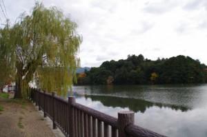 孝元天皇陵、剣池