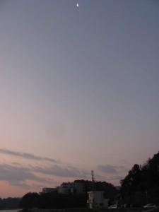 小浜漁港から望む月(鳥羽市)