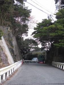 八幡神社へ(鳥羽市小浜町)