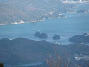 朝熊ヶ岳山頂からの眺望-三ツ島を望む