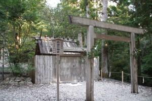 長由介神社(川島神社を同座)