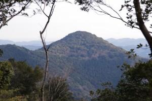 丸山道(金剛證寺~丸山庫蔵寺)から望む丸山