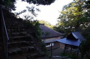 鎮守堂への石段からの風景(丸興山庫蔵寺)