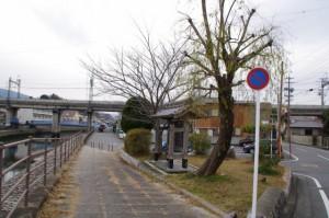 小田橋(勢田川)の説明板付近