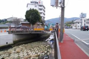 八束橋(勢田川)付近