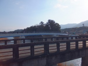 五十鈴橋と新しい五十鈴橋(五十鈴川)