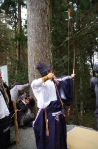 五身懸祭 - 弓射神事(川添神社)
