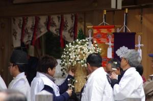 五身懸祭 - 団子授与の準備(川添神社)