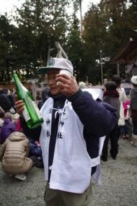 五身懸祭 - 酒のふるまい(川添神社)