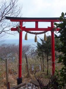 音成神社隣の遥拝所(音無山園地)
