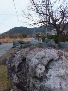 日の出橋東交差点から神前神社へ
