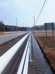 松下社から粟皇子神社へ(国道42号線)